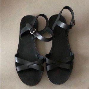 Madewell black crisscross leather flat sandal